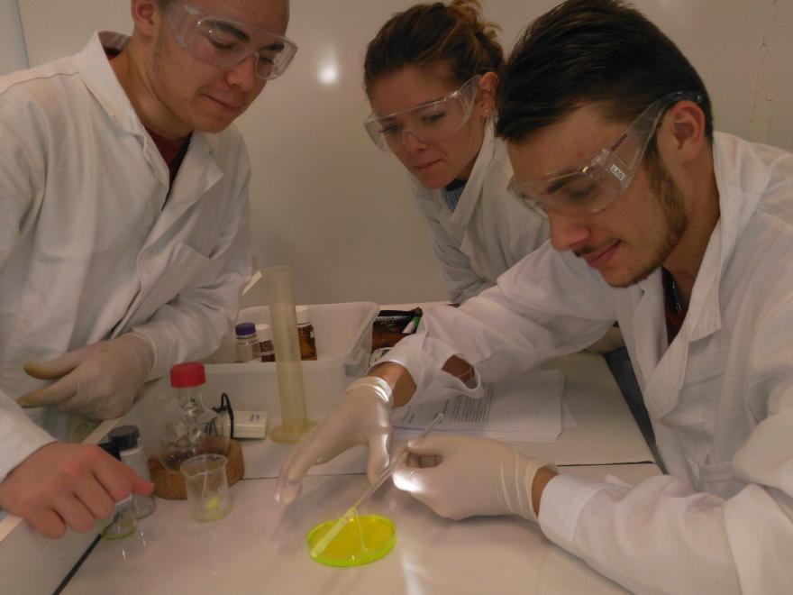 les olympiades de chimie ne tiennent qu u0026 39 a un fil   de nylon   encouragements aux participants de