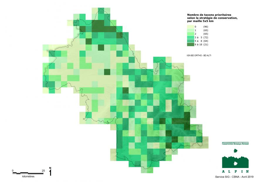 Cette carte présente à l'échelle du département de l'Isère et par maille de 5x5 km, le nombre d'espèces (=taxons) prioritaires selon la stratégie de conservation.