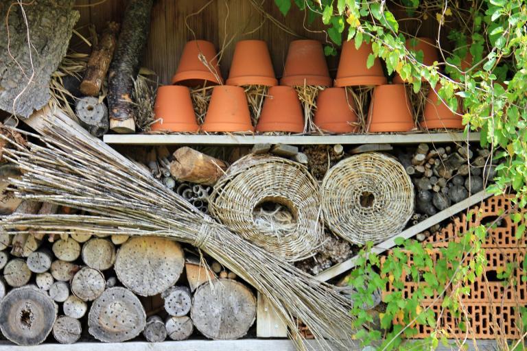 Abris à insectes fait maison - CC0 domaine public - annaer - Nature Isère