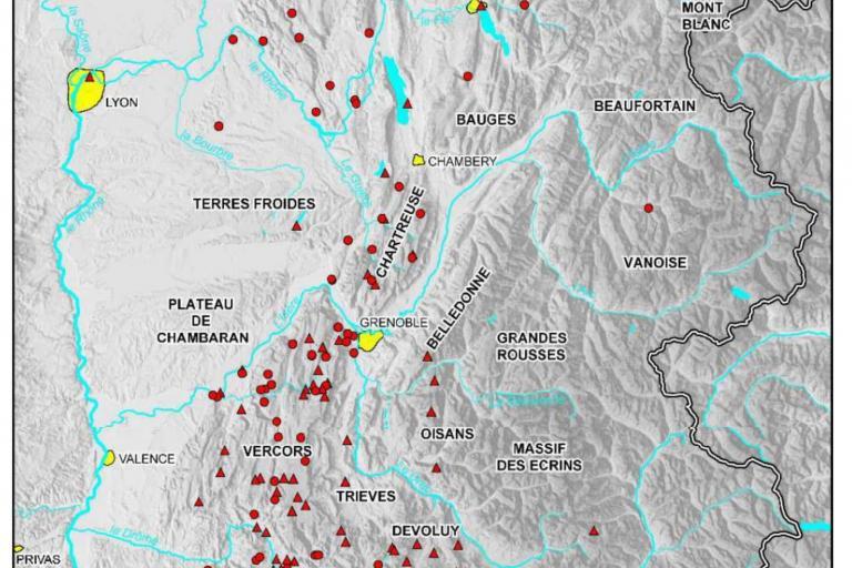 Carte des sites préhistoriques de la fin du Paléolithique supérieur au Néolithique ancien entre Léman et Durance. (Infographie C. Bernard, AVDPA), nature isère